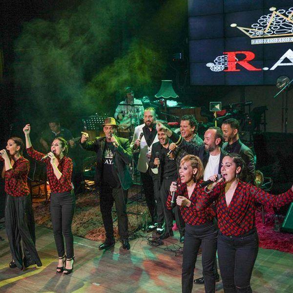 Concierto benéfico en Bogotá junto con Carlos vives